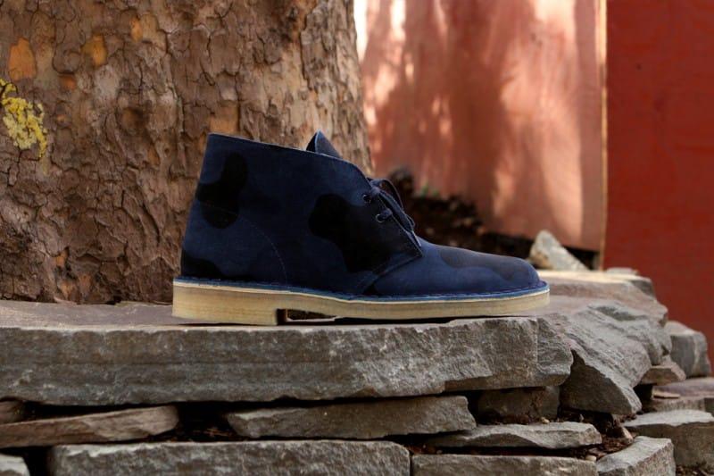 clarks desert boots on feet - YouTube