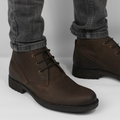 CHAD Mens Waxy Leather Chukka Boots Brown