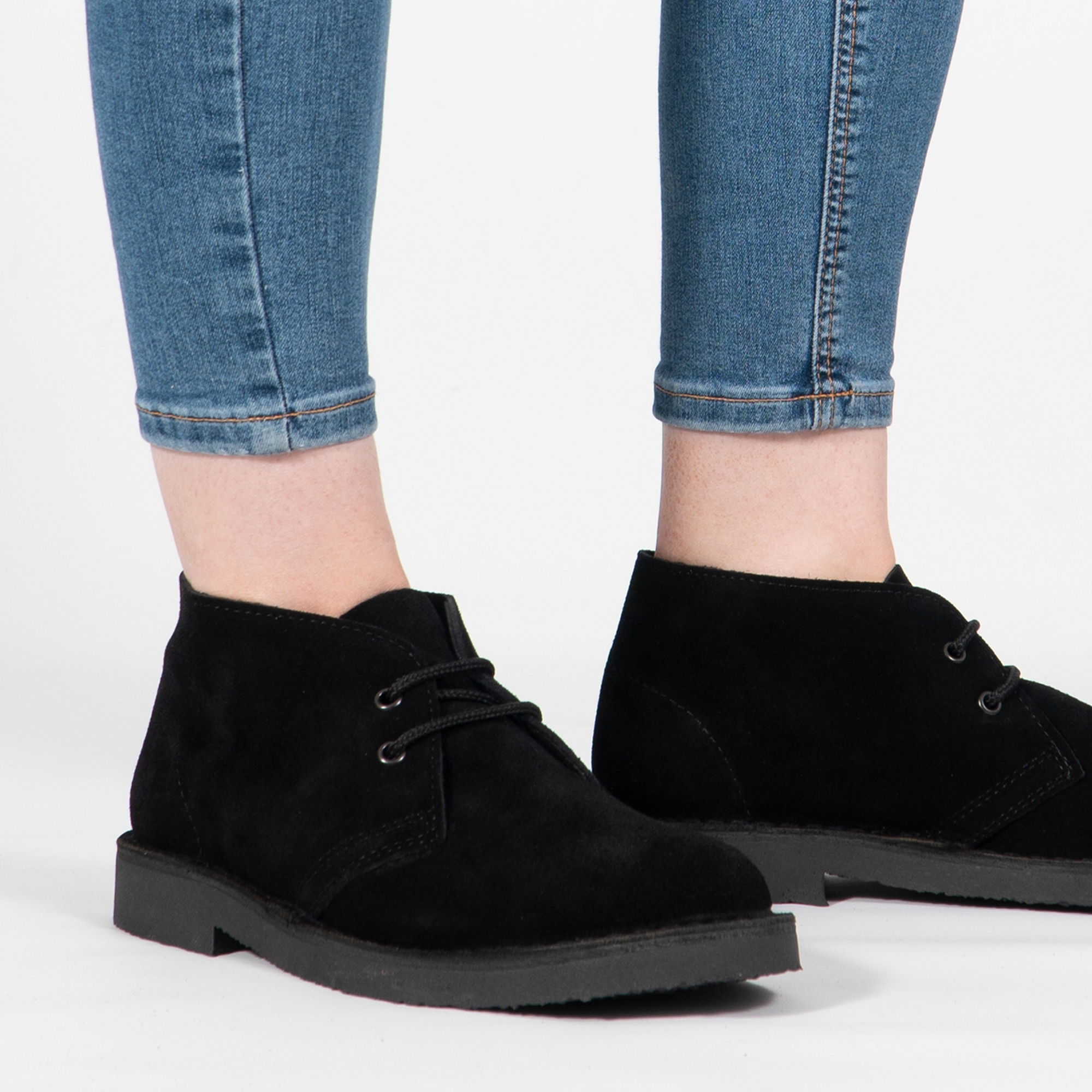 Roamers M467AS Unisex Black Suede Leather 2 Eyelet Desert Boots